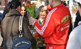 Ion Oncescu a oferit mărţişoare femeilor de 1 Martie