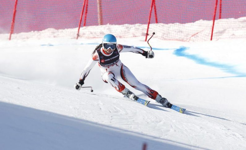 O franţuzoaică schiază pentru România