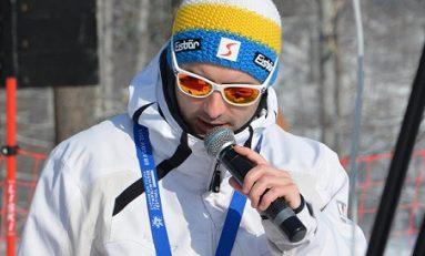 """Comentatorul sportiv """"şcolit"""" pe pârtia de schi"""