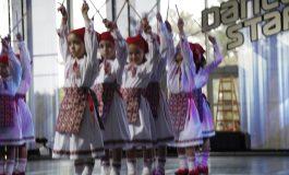 """Trupa de dans """"deschide balul"""" la Bucharest Sport Club"""