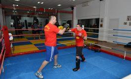 """Muay thai şi kickboxing, în cea de-a treia zi a """"Şcolii altfel"""""""