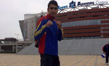 Mustafa Arsen a cucerit argintul la CM de box pentru tineret