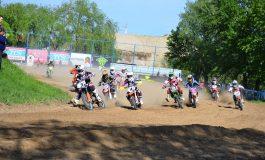 Duel între campionii Adrian Răduță şi Mihai Stoichescu la Ciolpani, în prima etapă a Motocross CUP