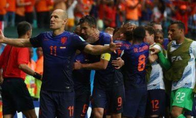 """Olanda a """"demolat"""" Spania în cea de-a doua zi a Cupei Mondiale de fotbal"""