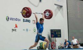 Robert Manea - ridică mii de kilograme zilnic, la doar 16 ani