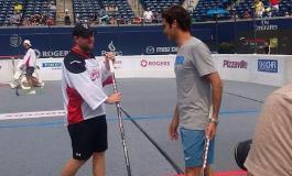 Federer şi-a încântat fanii cu un meci... de hochei