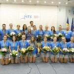 """""""Eroinele"""" României au revenit acasă şi au fost felicitate de Gabriela Szabo pentru aurul ..."""