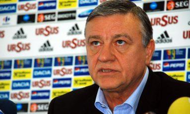 Mircea Sandu renunţă să mai fie preşedintele de onoare al FRF