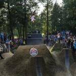 Motocicliști zburători: BMX & MTB Dirt la Electric Castle