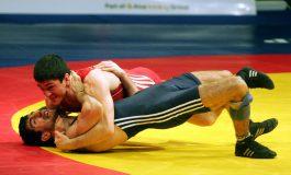13 medalii pentru luptătorii români, dintre care patru de aur, după prima zi a Internaționalelor de seniori ale țării noastre