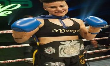 Conferinţa de presă a primei campioane mondiale din România în kickbox-ul profesionist