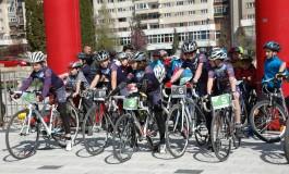 Campionul paralimpic își face Academie de Ciclism!
