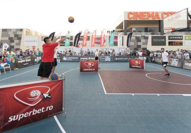 Baschetul 3x3 a fost anul trecut inclus pe lista disciplinelor olimpice și își va face debutul la ediția Tokyo 2020, iar naționalele României vor lupta anul viitor pentru calificare.