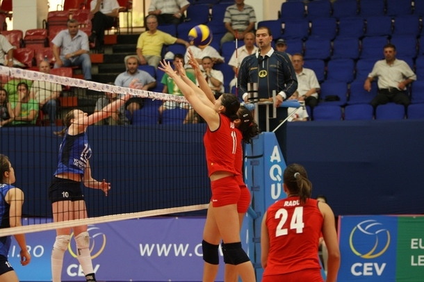 Echipa de volei feminin a României a pierdut cu Bulgaria în Liga Europeană