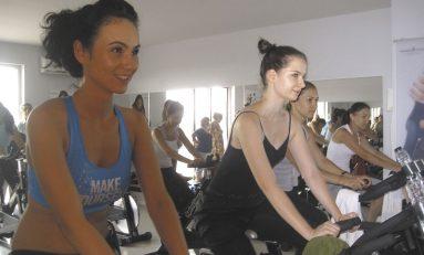 Ce se întâmplă când fitness-ul se întâlneşte cu distracţia?