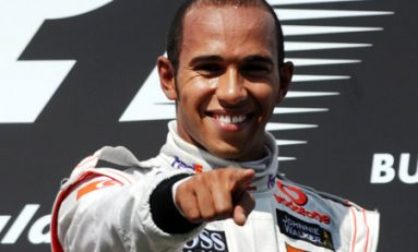 Hamilton la Mercedes AMG, Perez la McLaren