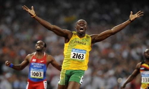 Bolt câștigă suta de metri, corectând recordul olimpic