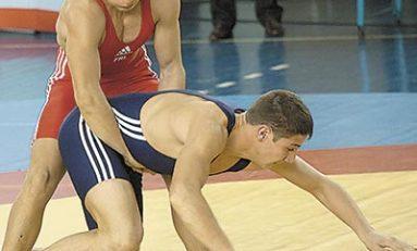 Luptele ar putea fi excluse din familia olimpică