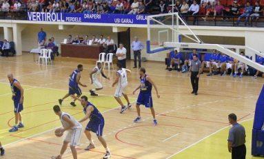 Craiovenii câștigă și trec pe locul secund