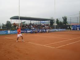 Simultan de tenis în 18 orașe