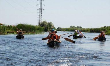 Echipa pilotilor şi a copilotilor, pe locul 2 în cursa de canotci din Deltă