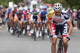 Adam Hansen câștigă prima etapă în evadare din Turul Italiei