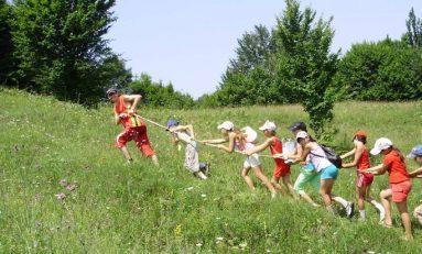 Ministerul Tineretului și Sportului oferă 198 locuri în taberele de vacanță pentru copiii din centrele de plasament din Iași