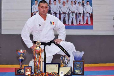 Lucian Băroiu încearcă să stopeze apariţia de noi federaţii de karate