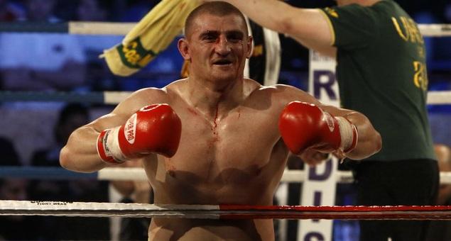 Cătinaș și Moroșanu și-au învins adversarii prin K.O. la Ploiești
