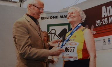 REPORTAJ Alergare în pas de marş la 88 de ani