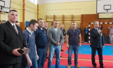 Arbitrii tineri de karate, sub semnul perfecţionării