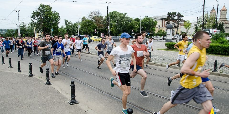 """Iașiul și-a desemnat câștigătorii Crosului Universitar – """"Fuga la ștafetă"""""""