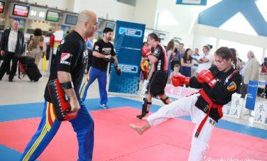 Agitația din aeroportul internațional Henri Coandă, întreruptă de campionii mondiali Kempo-MMA