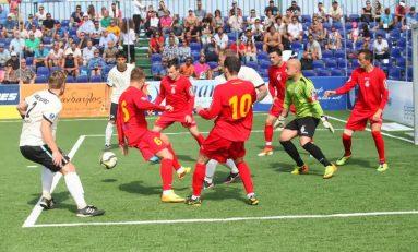 Campionatul Naţional de minifotbal de la Roman aliniază la start cele mai bune 20 de echipe din ţară