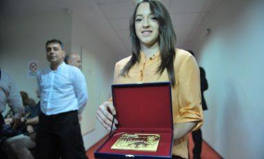 Gimnasta Larisa Iordache a fost numită Cetăţean de Onoare al Bucureştiului