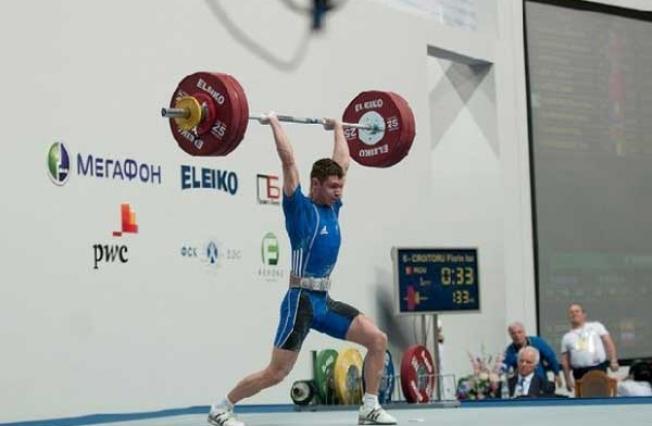 Robert Manea – ridică mii de kilograme zilnic, la doar 16 ani