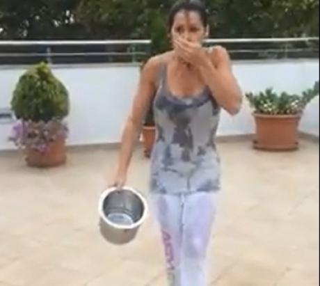 Şi Nadia Comăneci a răspuns provocării ALS Ice Bucket Challenge