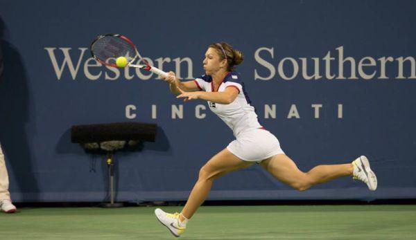 Simona Halep o va întâlni pe Lucie Safarova în optimile turneului WTA de la Cincinnati