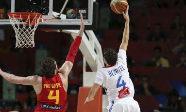 Franța învinge Spania la Mondialele de baschet masculin și va juca semifinala cu Serbia