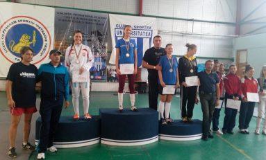 Cezara Constantin, campioană națională de juniori la spadă
