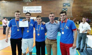 CS Dinamo câştigă proba pe echipe a Campionatului Naţional de sabie al juniorilor