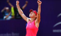 Simona Halep ajunge în sferturi la Beijing după un meci greu cu Petkovic
