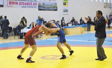 40 de medalii pentru luptători noștri la turneul internațional de la București