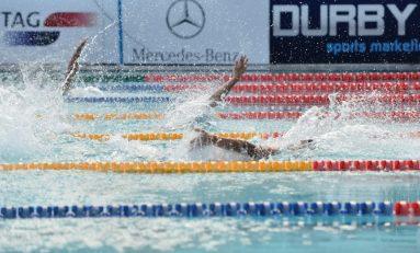 Înotătorul Robert Glință, în finala probei de 100 spate la Jocurile Europei