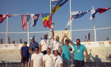 Zece medalii în ultima zi a Mondialelor de lupte pe plajă de la Mangalia și 30 în total