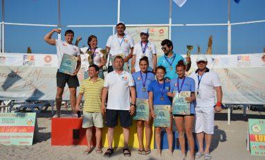 Juniorii au mărit zestrea medaliilor cu încă 13, la Mondialele de lupte pe plajă