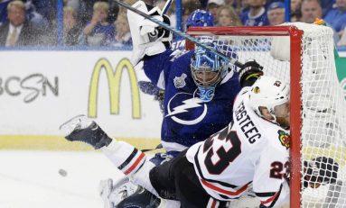 Chicago Blackhawks câștigă pe teren propriu și egalează în finala Stanley Cup cu Tampa Bay Lightning