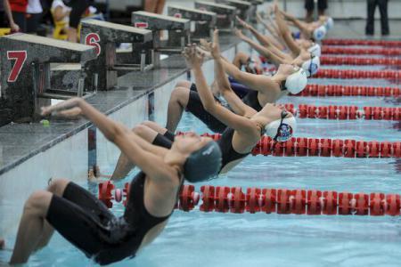 Două recorduri în prima zi a Internaționalelor de înot de la bazinul Dinamo