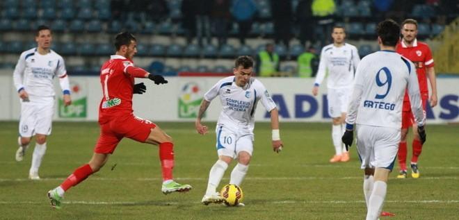 Pandurii Tg. Jiu-Dinamo București, partida derby a optimilor Cupei României Timișoreana