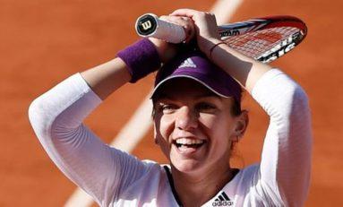 Simona Halep s-a retras la dublu mixt, dar va juca în sferturi la US Open cu Viktoria Azarenka, pregătită de fostul ei antrenor